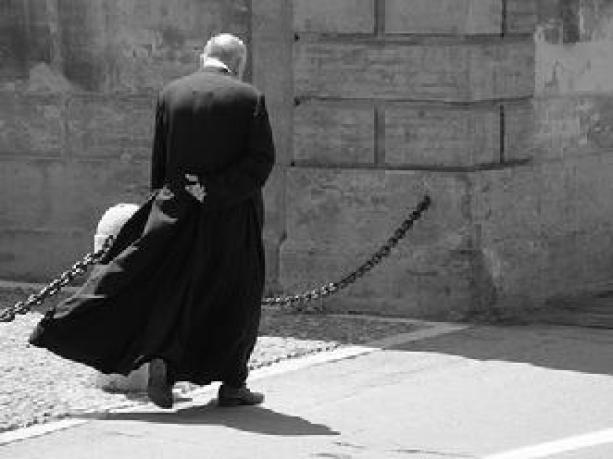 prete-che-cammina